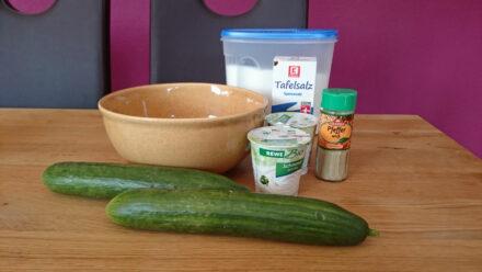 Der weltbeste Gurken-Schmand-Salat
