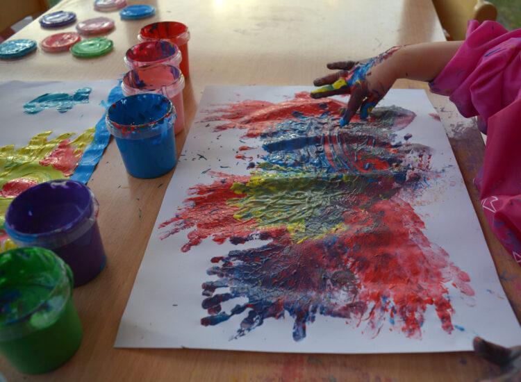 SES Creative Fingerfarben malen