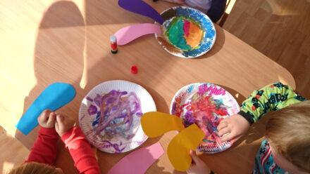 Bastelidee: Osterhasen (und Osterhühner) aus Pappteller