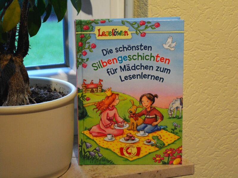 Mit Sil-ben zum Lese-an-fäng-er: Die schönsten Silbengeschichten für Mädchen zum Lesenlernen