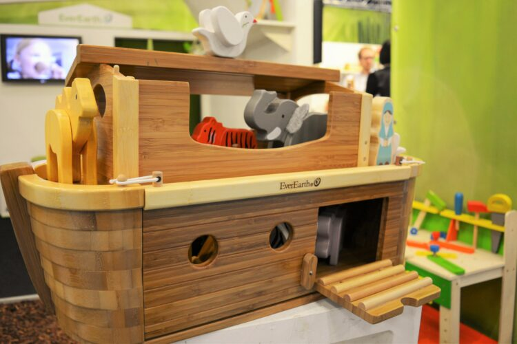 Everearth Arche Geburtstag Holzspielzeug Bambus Holz Kinderspielzeug Adventskalender