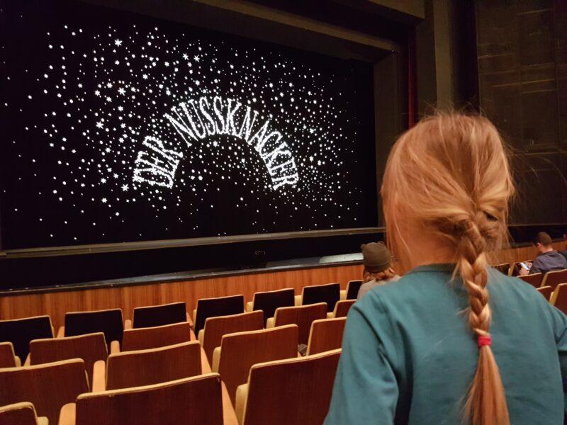 Mama-Tochter-Ausflug zur Deutschen Oper in Berlin: Der Nussknacker – Staatsballett Berlin