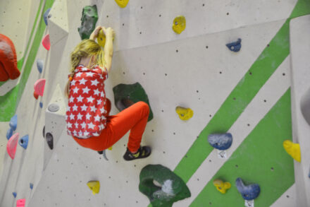 Hoch hinaus: Bouldern in Berlin im Südbloc