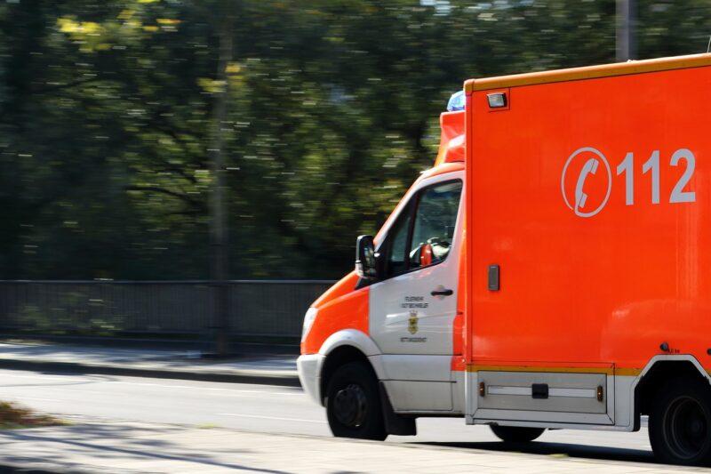 ambulance-970037_1280