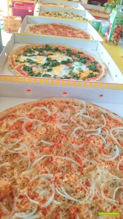 Schulkind Einschulung Schultüte Einschulungsfeier Call a Pizza