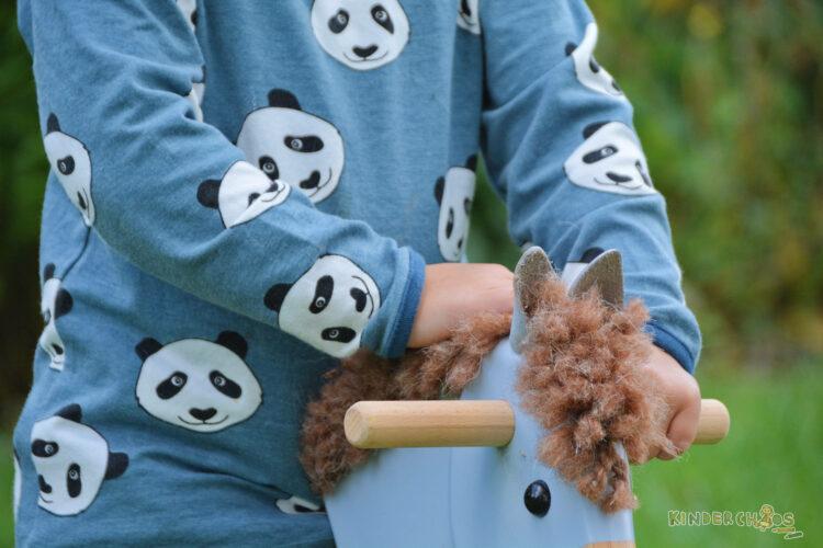 Smafolk Herbst Reiterhof Pferde Stall Kinderkleidung Äpfel Panda