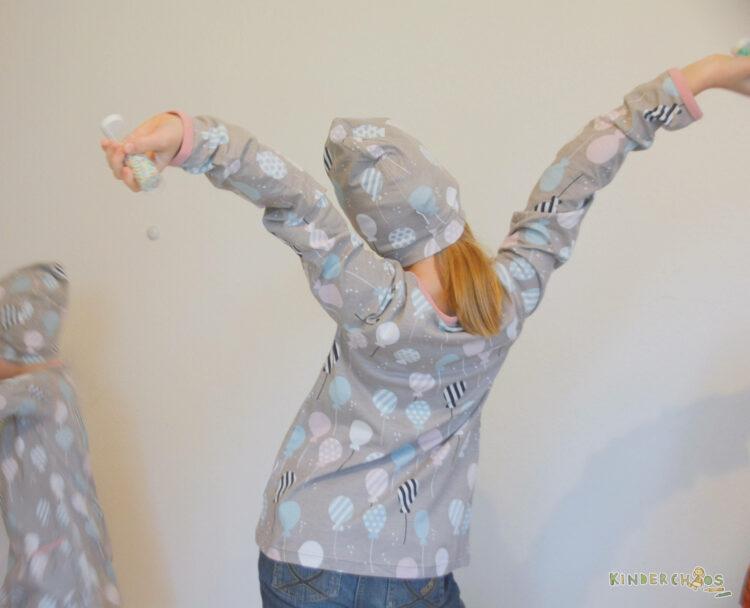 Maxomorra Winterkollektion Winter Balloons backen Luftballons Kinderkleidung Kindermode