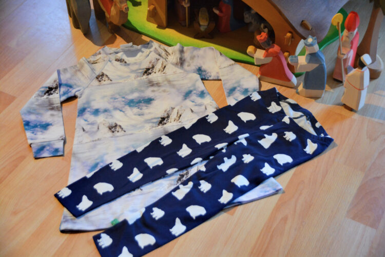 Weihnachten Winter Fred´s World Green Cotton Kinderkleidung Kindermode GOTS Schneeberge Eisberge Eisbären