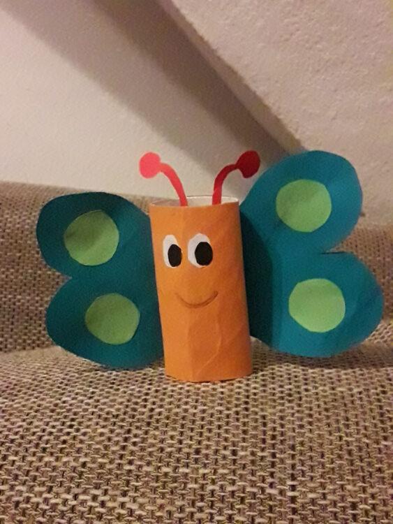 Basteln mit Klopapierrollen Toilettenpapierrollen Küchenpapierrollen Bastelei Schmetterling Frühling