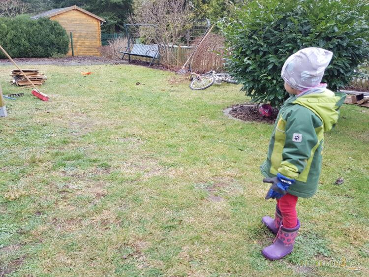 Gartenarbeit Mama Papa Kind Familie Garten unser Haus