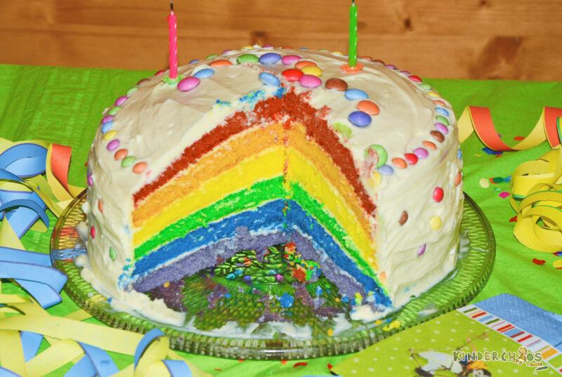 Regenbogentorte: Ein Geburtstagskuchen wie ein Regenbogen!
