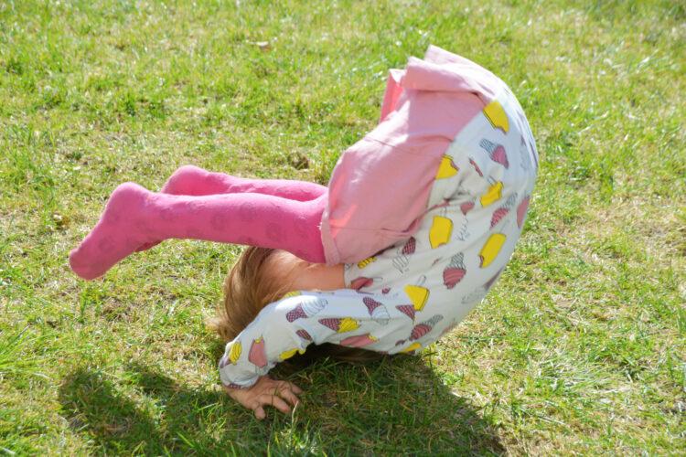 Gartenliebe im Frühling mit Smafolk Garten Kinder Kindermode Kinderkleidung skandinavisch Ice Cream Eis