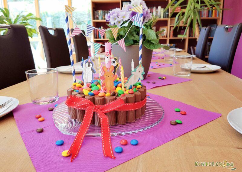Eine kunterbunte Pool-Torte aus Schokolade für Leonies Poolparty