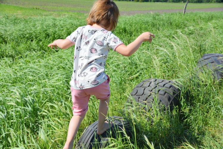 Smafolk Sommer Barfußpfad Ribbeck Kinderbauernhof Marienhof Kinderkleidung Bio