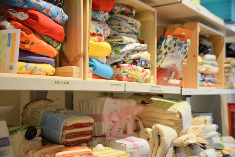 Hug & Grow Berlin Onlineshop Laden Berlin nachhaltig Kinderkleidung Kinder Familie skandinavisch bio GOTS Baby Stoffwindeln