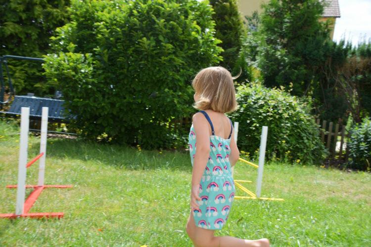 Maxomorra Jumpsuit Sommer Lollypop Regenbogen Fannyswelt Pinolino Hürden Hindernisse