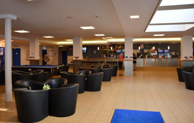 AO Hostels Hotel Bar Eingang