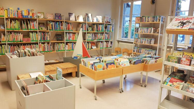 Kinderbücher in der Bibliothek Kladow
