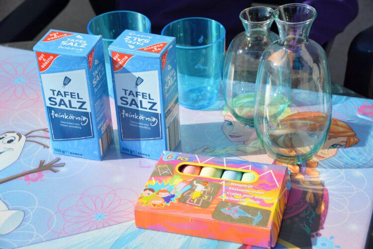 bunte Salz und Kreide Vasen
