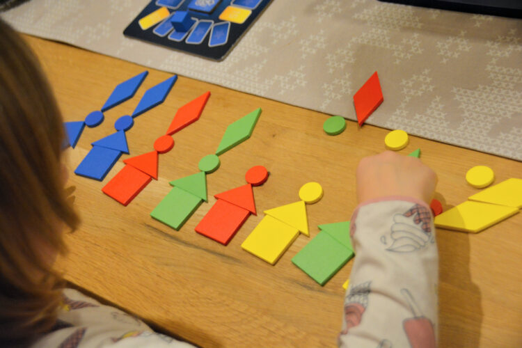 Kreatives Bauen mit Spielsteinen