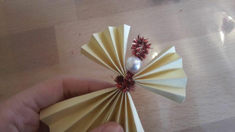 Weihnachtsengel aus Papier