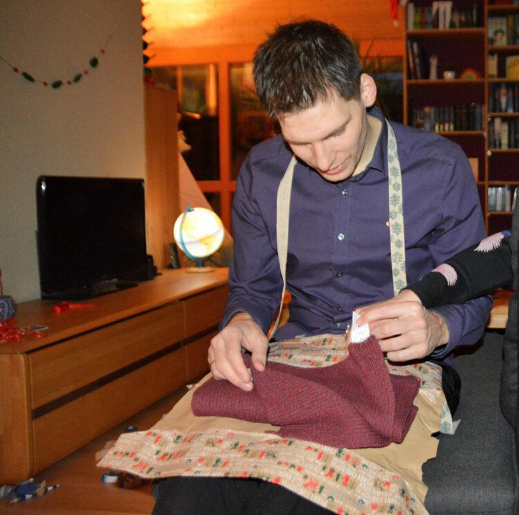 Weihnachtsfest mit neuem Schal von Hafendieb