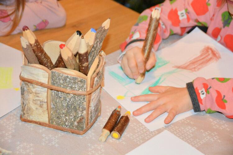Kunterbunt Holzstifte Kinder malen
