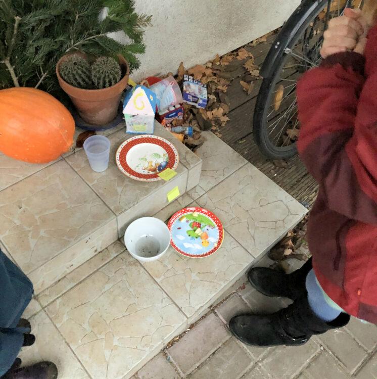 Weihnachtsfest mit Weihnachtsmann und Christkind