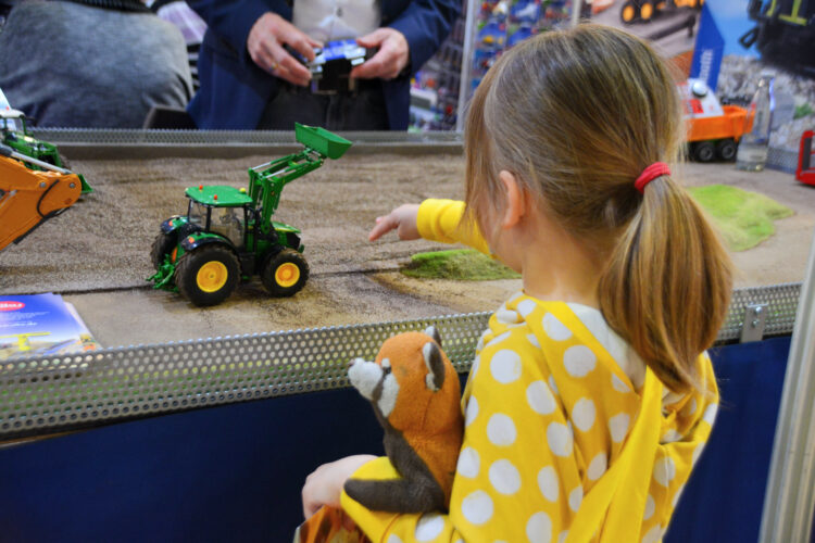 Traktor von siku
