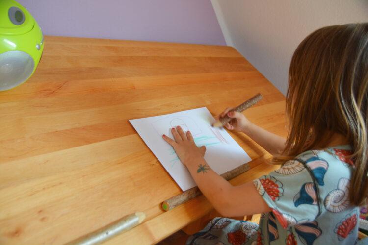 Kinderschreibtisch BioKinder malen