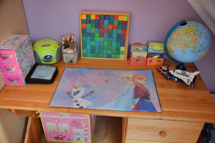 Schreibtisch eines Kindes