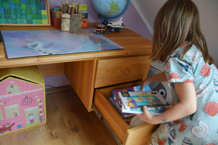 Schreibtisch für Schulkinder