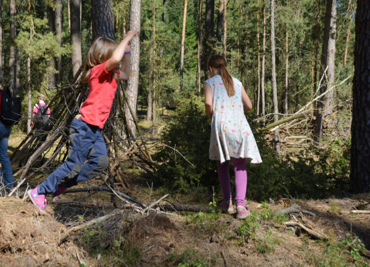 Waldkinder im Wald
