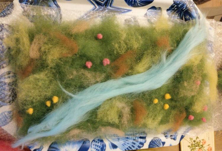 Filzen Frühlingswiese mit Bach