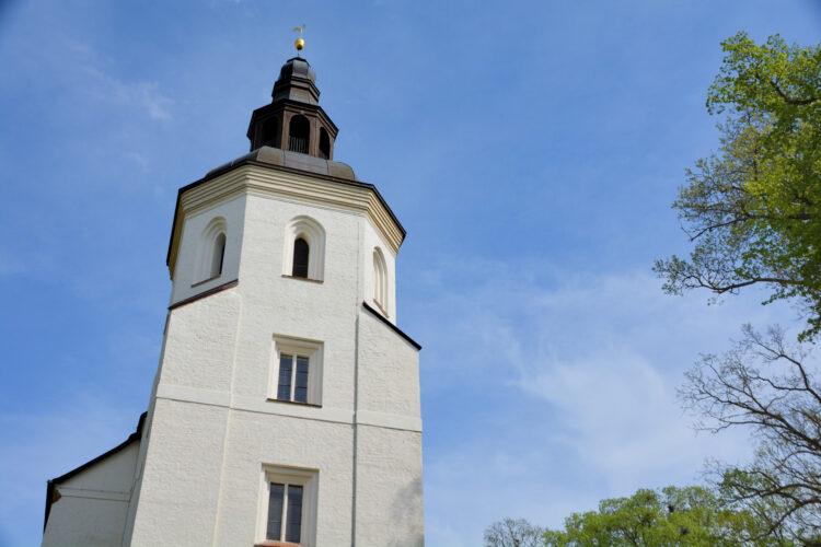 Mirower Johanniterkirche mit Ausblick