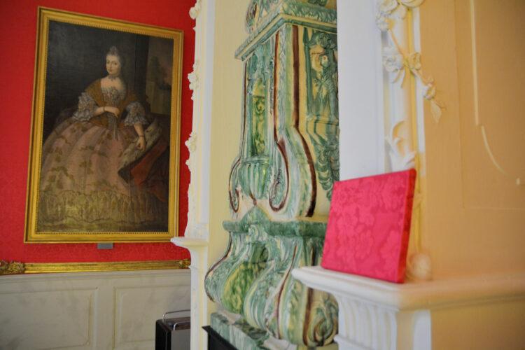 Wände aus Seide im Schloss Mirow
