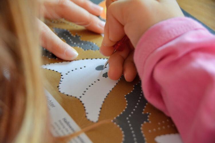 Bastelbogen Prickeln für Kinder