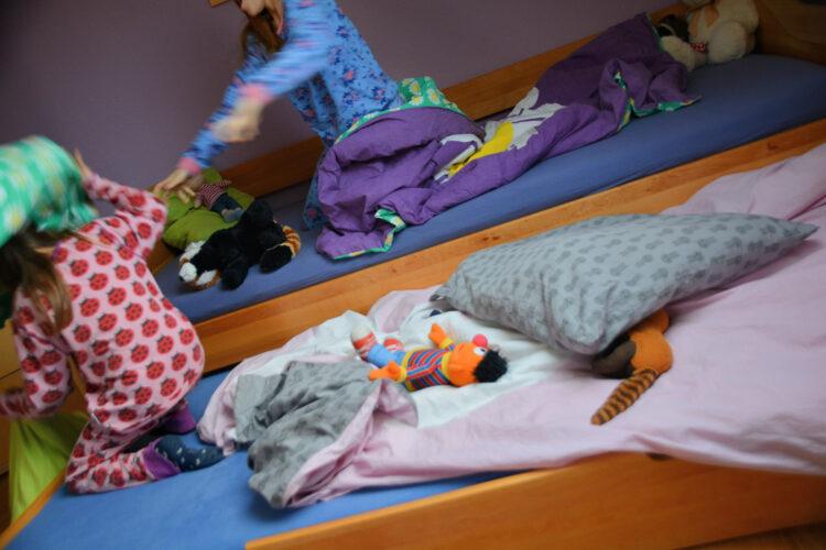 Übernachtungsparty Kindergartenkind Schulkind