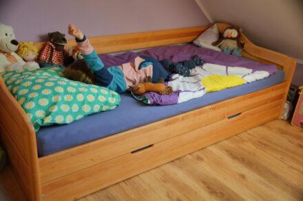 Abenteuer Übernachtung im Kinderzimmer: Kindergarten- und Schulfreunde zum ersten Mal über Nacht zu Besuch!