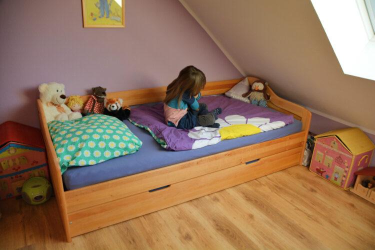 Kinderbett aus Holz von BioKinder