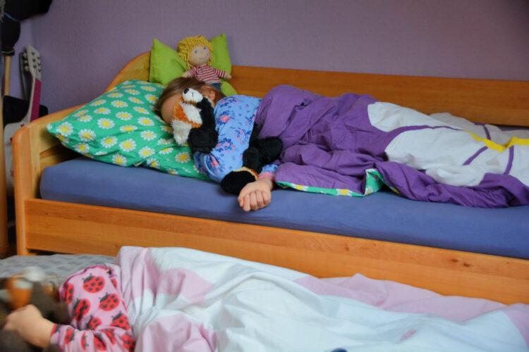 Kind beim besten Freund übernachten