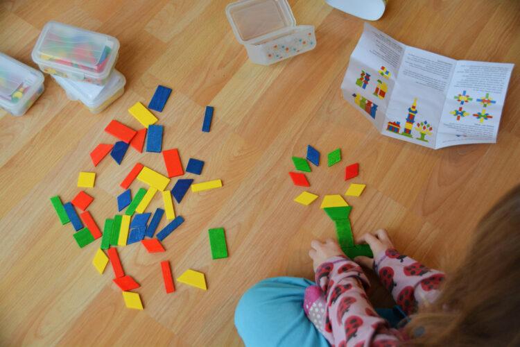 Familie Viereck SINA Spielzeug