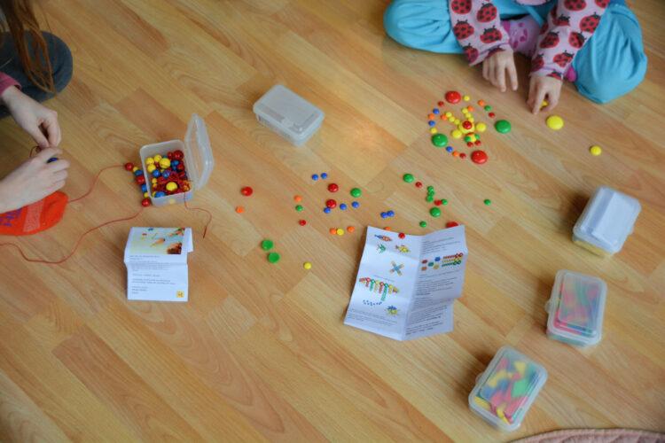 Kleine Fröbelspiele von SINA Spielzeug