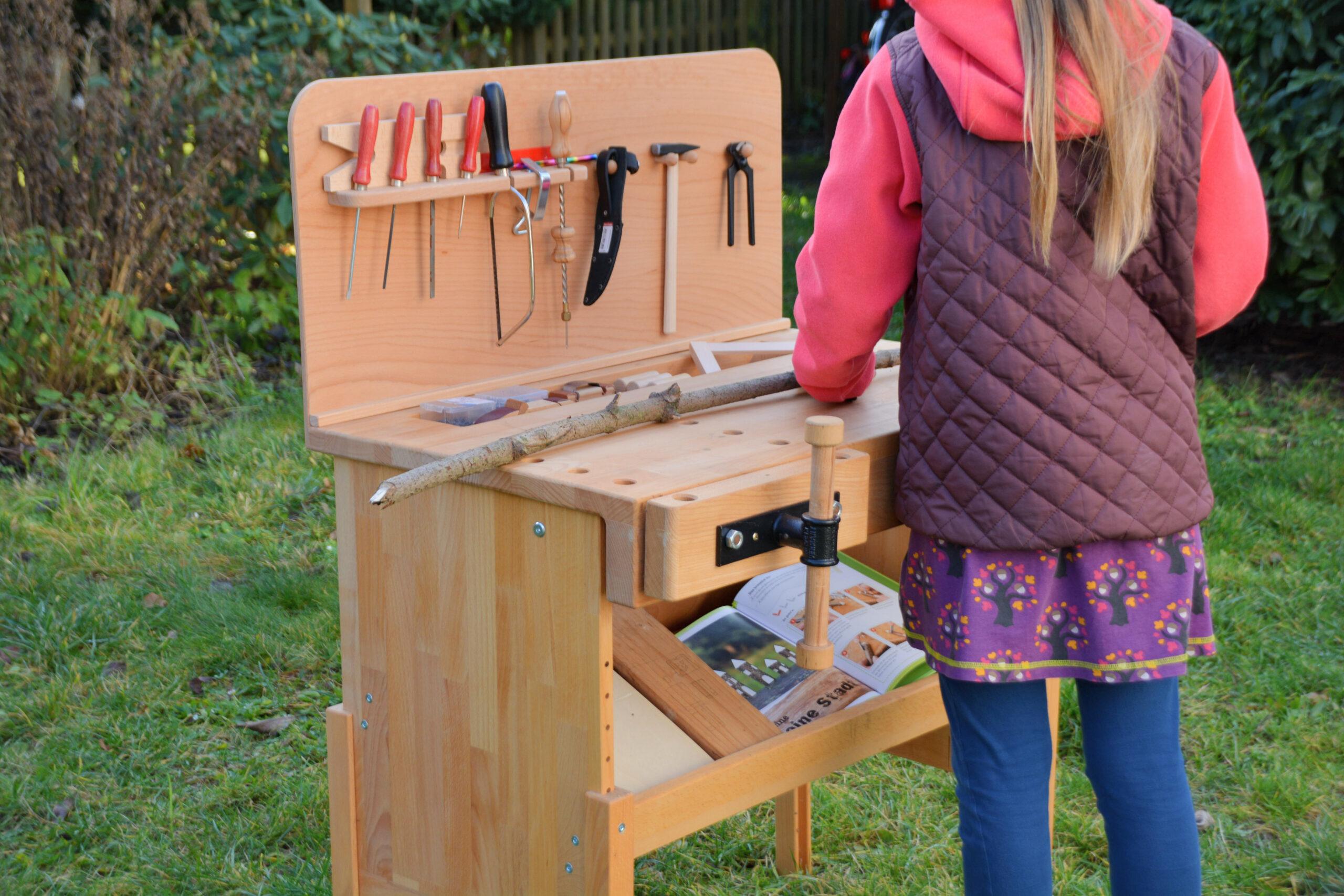 Die Nic Werkbank Werken Mit Kindern Wir Bauen Uns Ein Floss Aus Holz