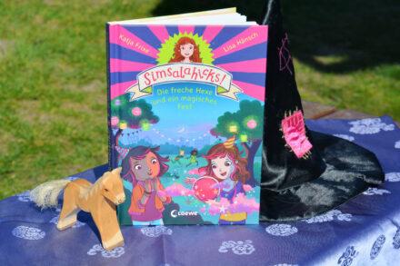 Simsalahicks! – Die freche Hexe und ein magisches Fest + MEGA GEWINNSPIEL