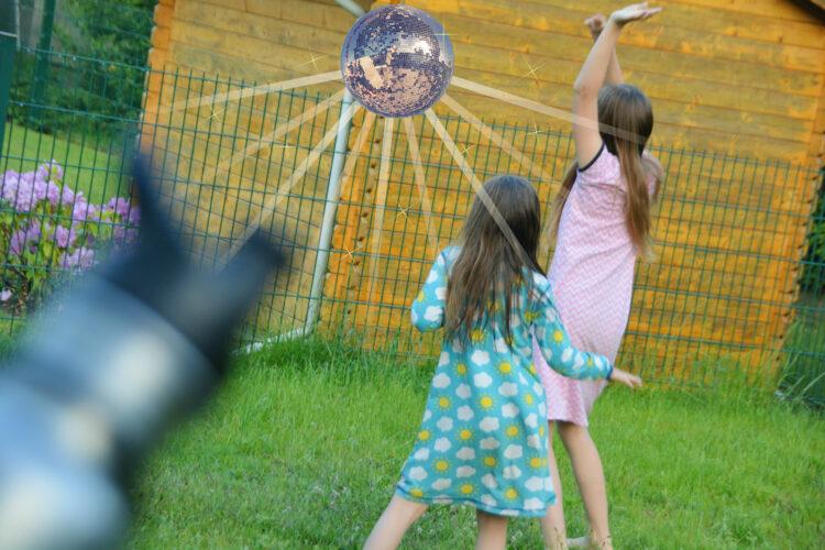 Danceball Spionage-Erfindung