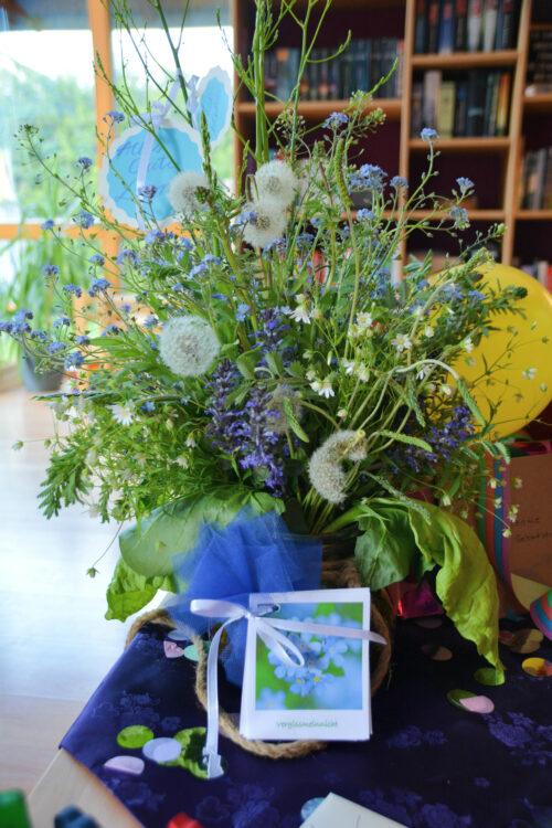 Finkenkblumen essbarer Blumenstrauß