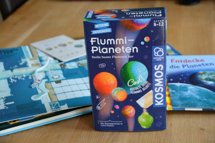 Mitbring-Experiment: Flummi-Planeten