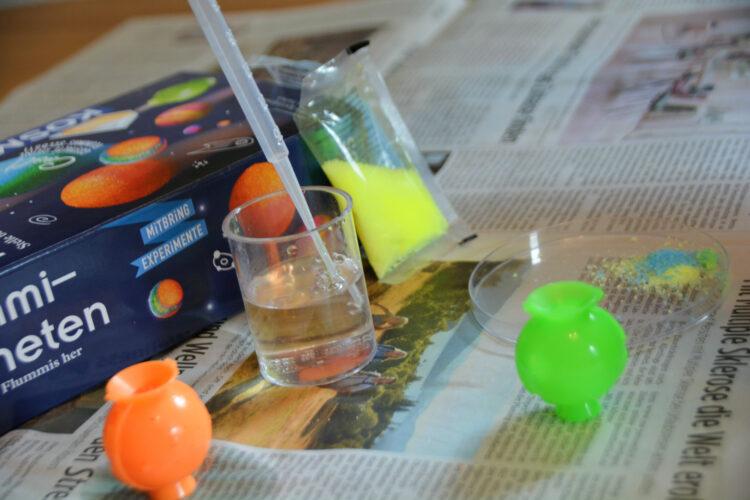Farben für den Flummi mischen