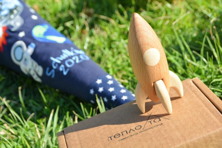 Holzspielzeug Rakete aus Holz